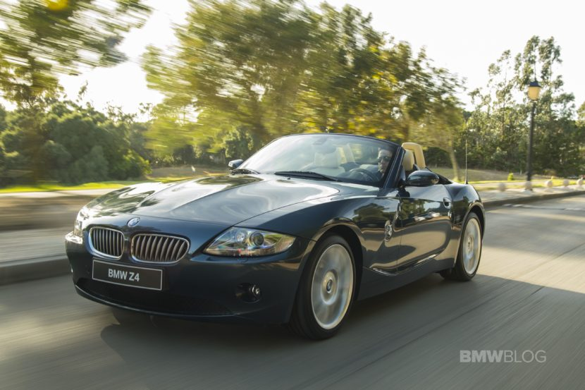 BMW Z4 E85 photos 01 830x553