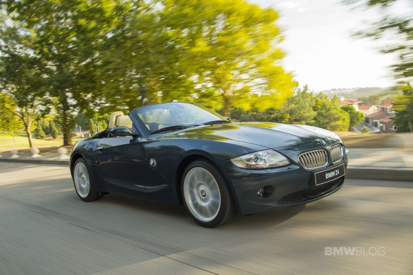 BMW Z4 E85 photos 03 830x553