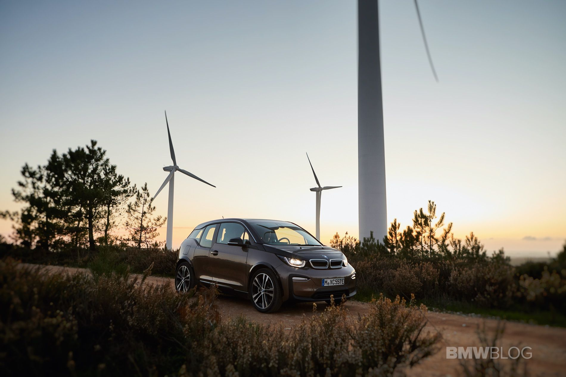 Could BMW use hydrogen to charge its electric cars?