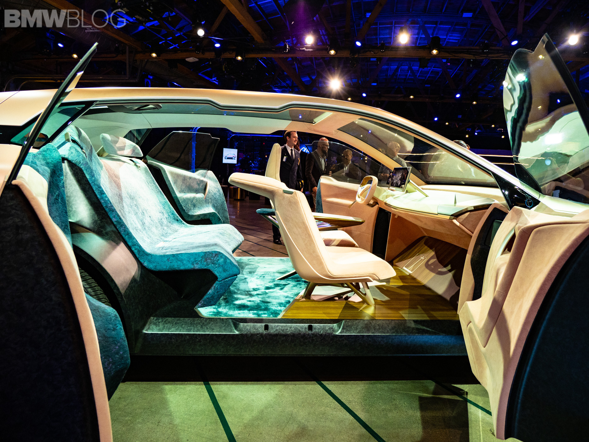 Upclose with the BMW Vision iNEXT - Video
