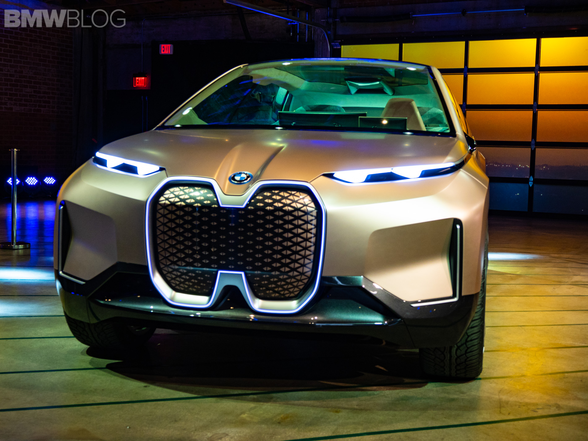 BMW Vision iNEXT makes its official public introduction in ...