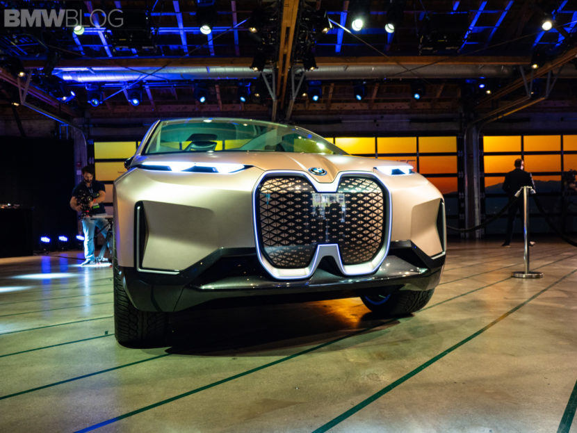 BMW iNext vision world premiere 8 830x623