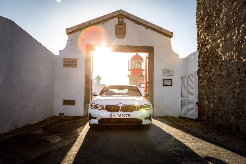 G20 BMW 330e 2 830x553