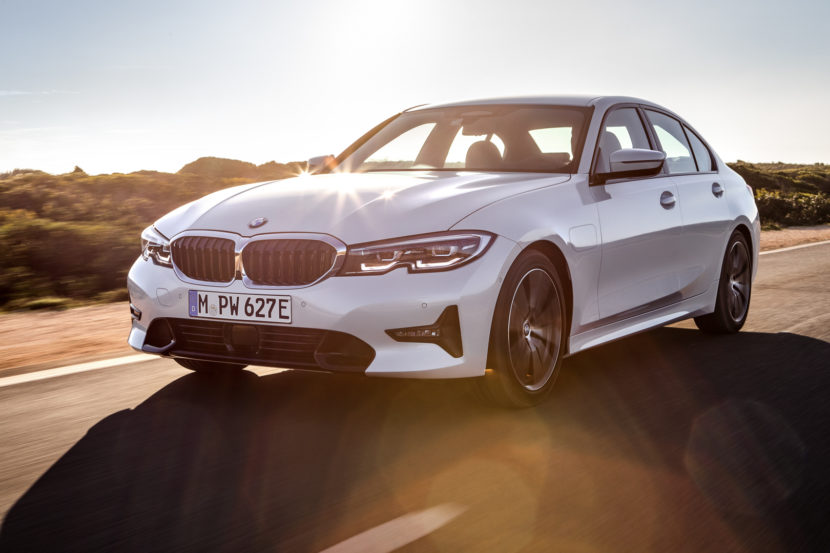 BMW 330e plug-in hybrid debuts with XtraBoost feature