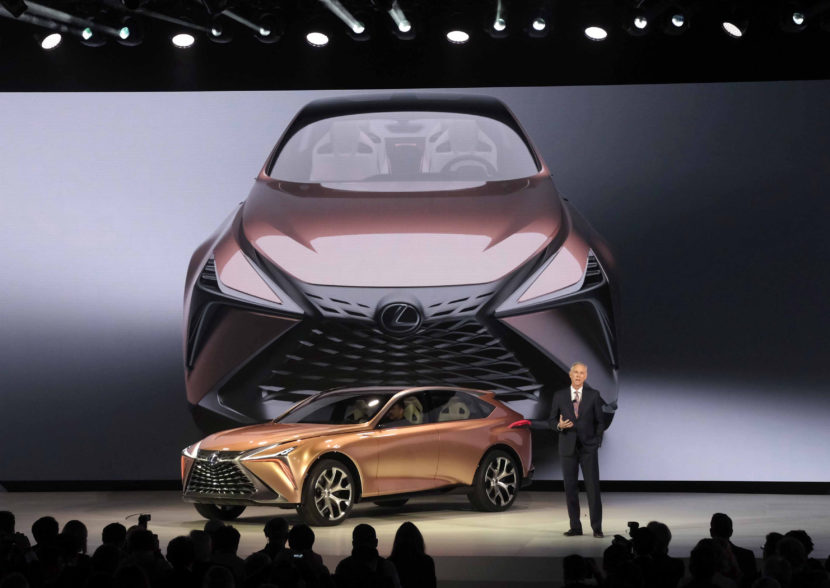 Lexus LF1 Reveal Jeff Bracken 2018 NAIAS E8C141CB5F294F2C5A35FF5A222A57F871B7E049 830x588