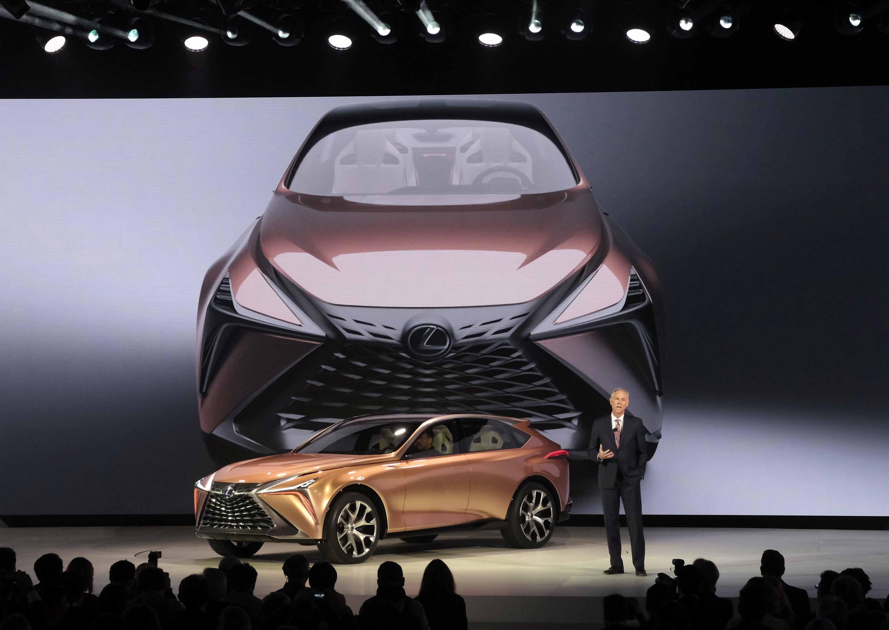 Lexus LF1 Reveal Jeff Bracken 2018 NAIAS E8C141CB5F294F2C5A35FF5A222A57F871B7E049