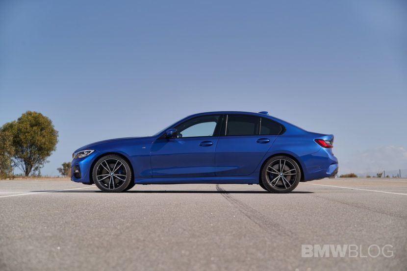 2019 BMW 330 G20 test drive 74 830x553