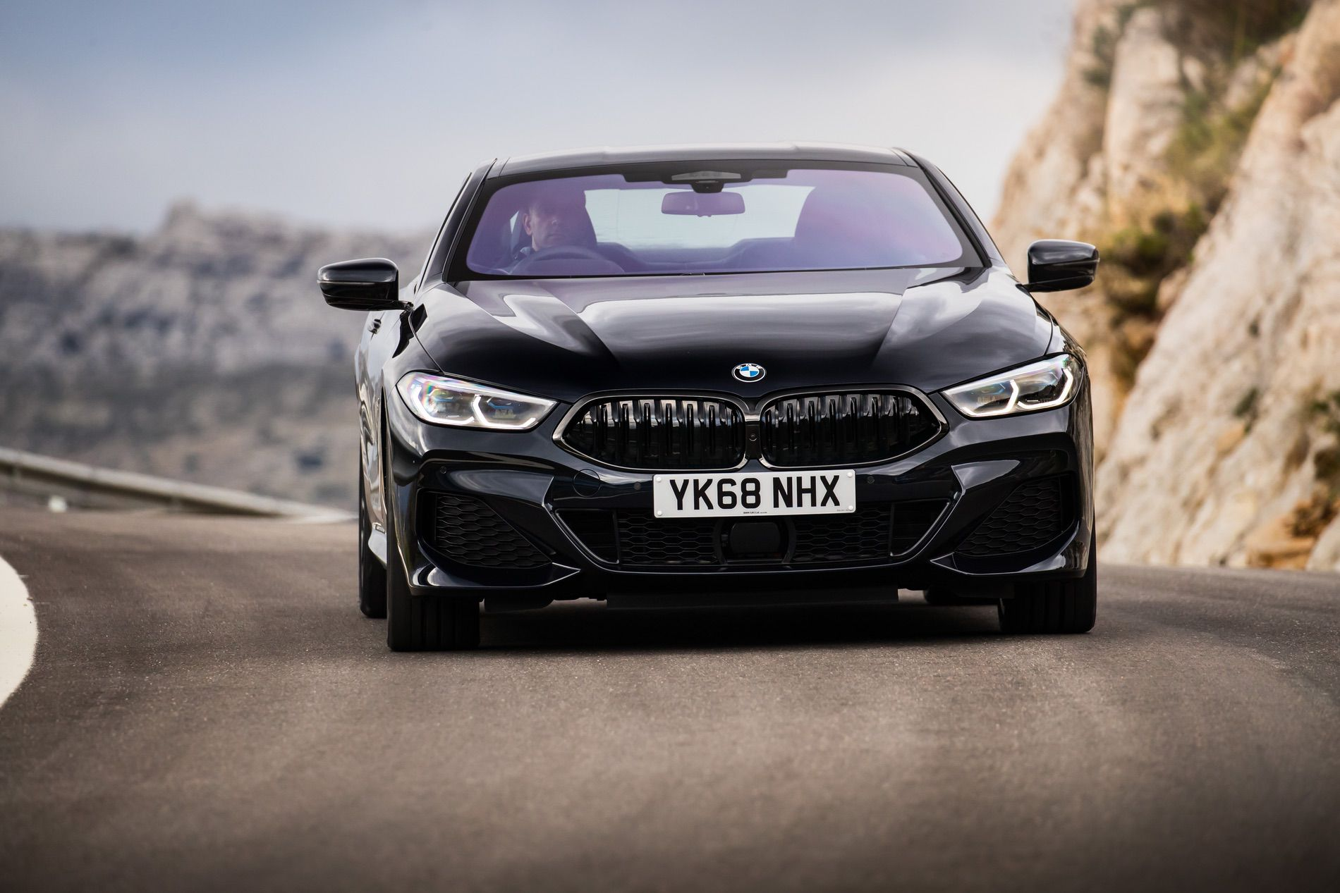 BMW 8 Series Coupe Sapphire Black 08