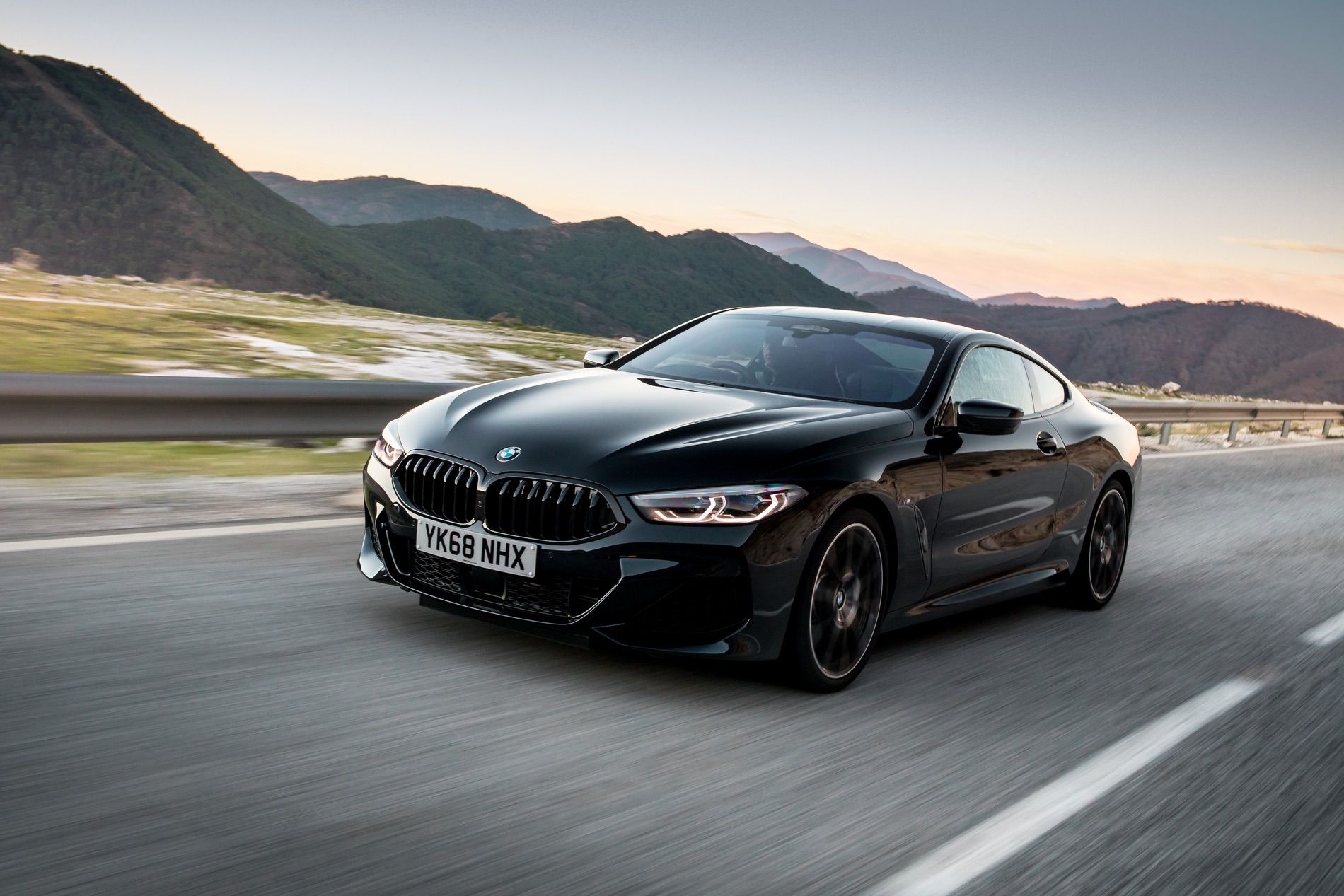 BMW 8 Series Coupe Sapphire Black 15