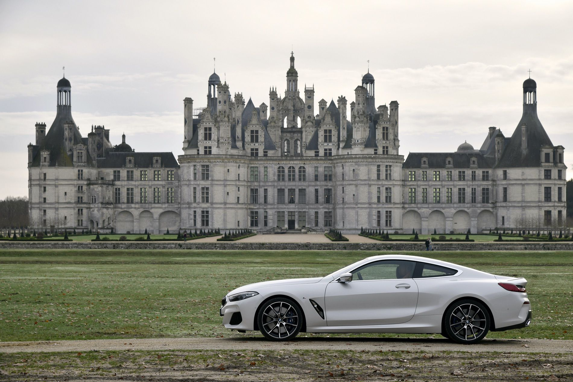 BMW 840d xDrive Mineral White 26