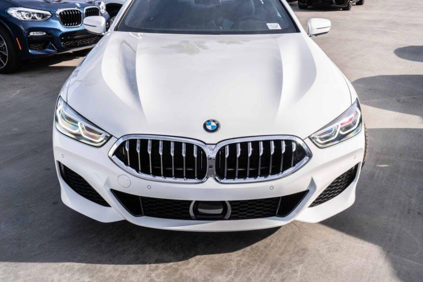 BMW 8er G15 M850i Weiss Century West 02 830x554