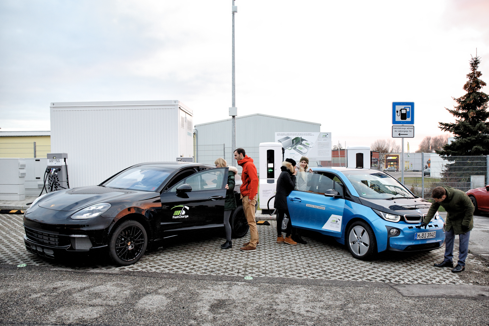 "BMW's Research Project ""FastCharge"" launches 450kW prototype station"