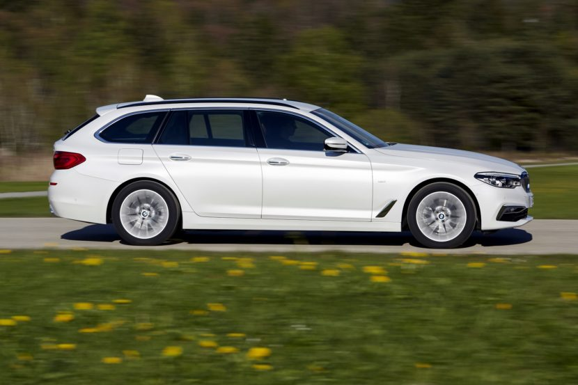 P90258726 highRes the new bmw 5 series 830x553