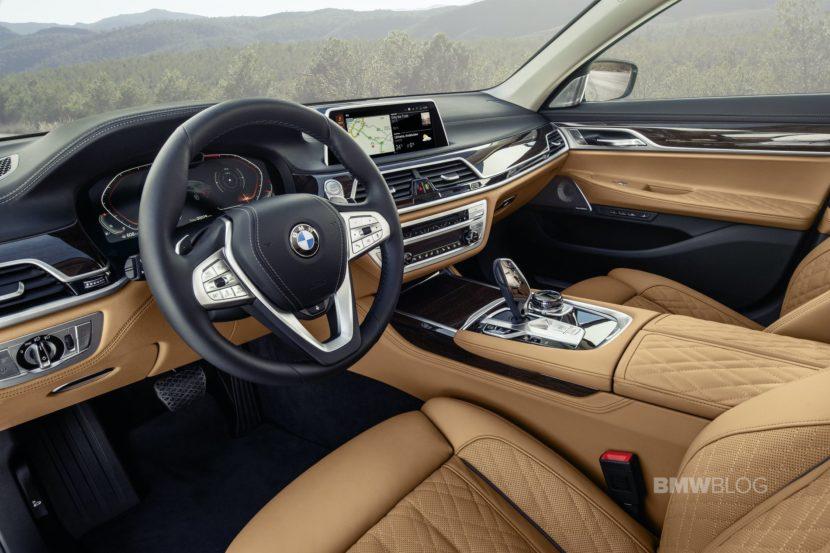 2019 BMW 7 Series Facelift interior 02 830x553