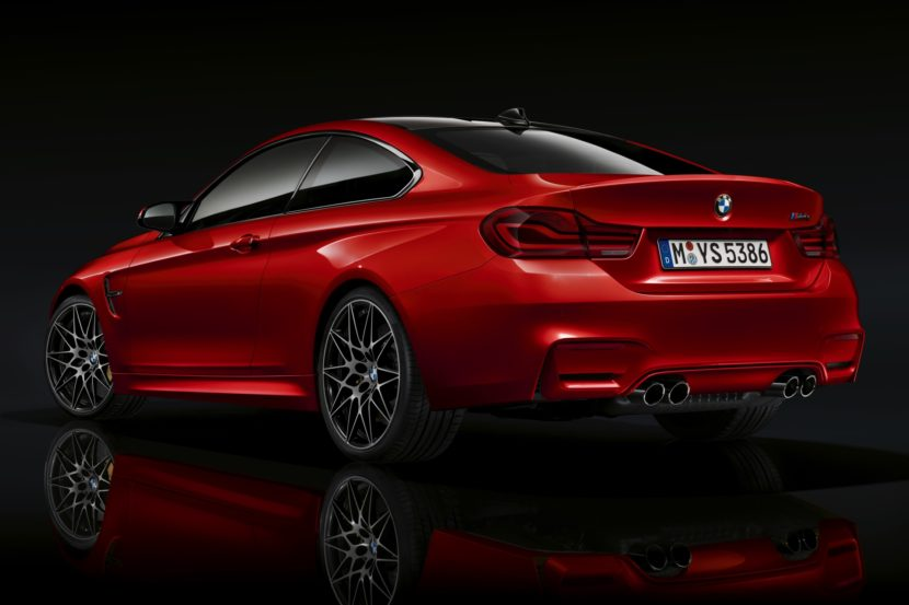 2019 BMW M4 Facelift abgedunkelte Rueckleuchten dark tail lights 03 830x553