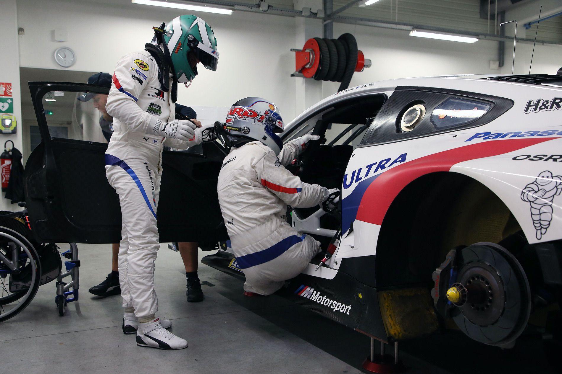 Alex Zanardi Daytona driver change 01
