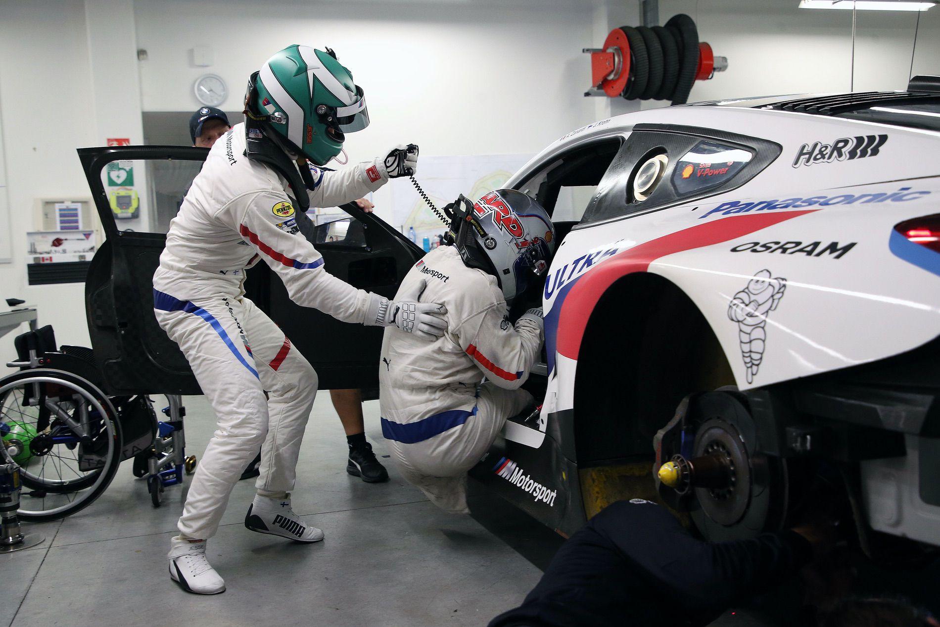 Alex Zanardi Daytona driver change 03
