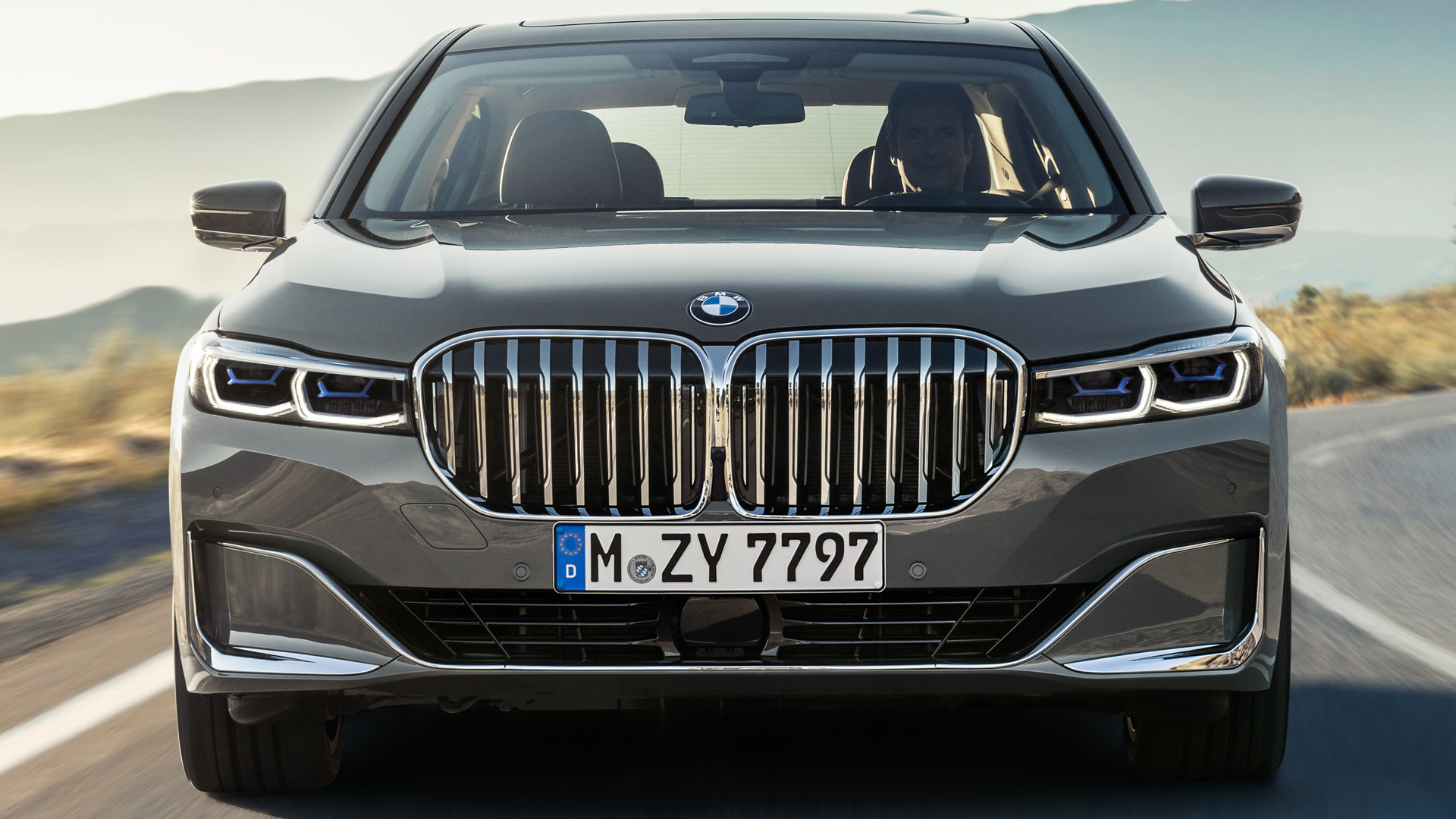 BMW 7 Series LCI vs Pre LCI 5 of 14