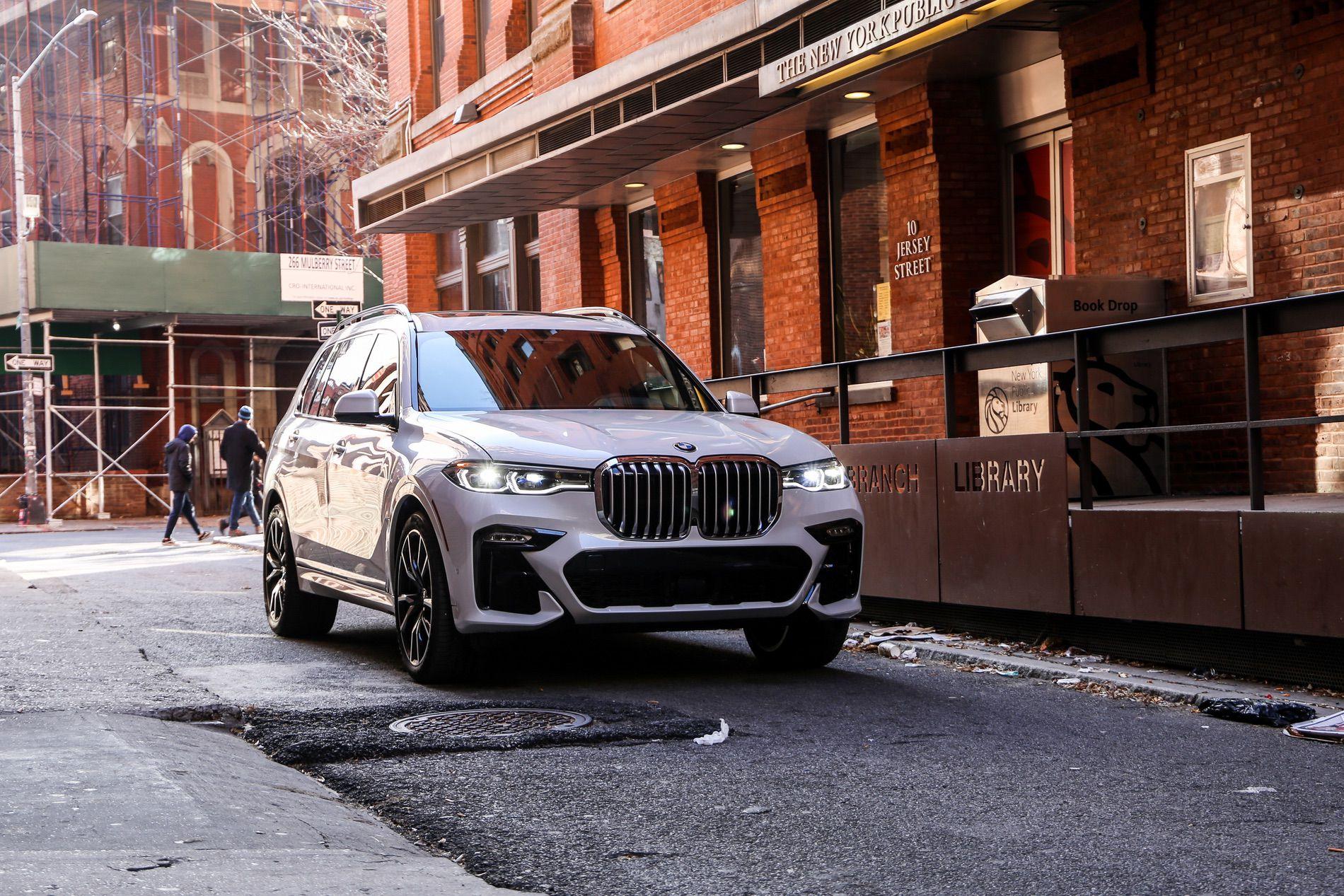 BMW X7 NYC 19
