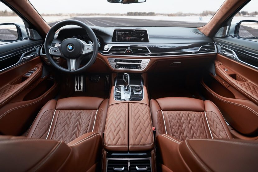 2019 BMW 745e 17 830x553