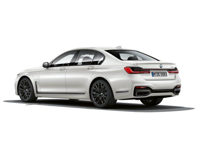 2019 BMW 745e 21 830x623