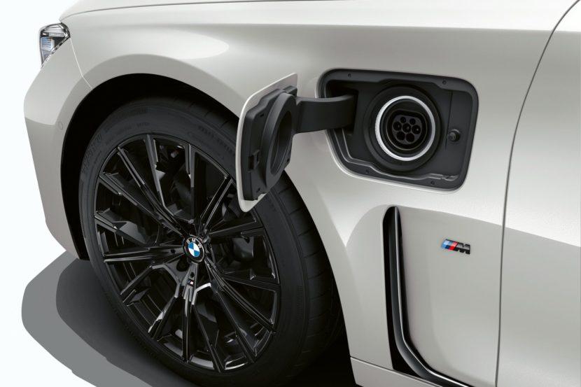 2019 BMW 745e 25 830x553