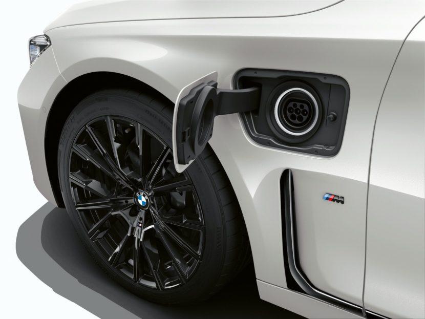 2019 BMW 745e 25 830x623