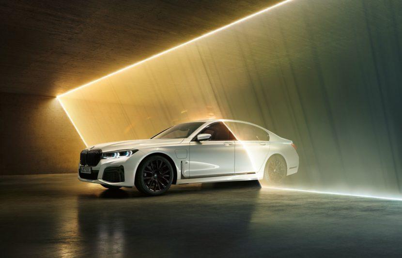 2019 BMW 745e 27 830x533