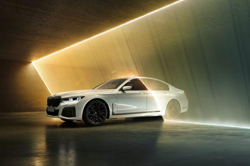 2019 BMW 745e 27 830x553