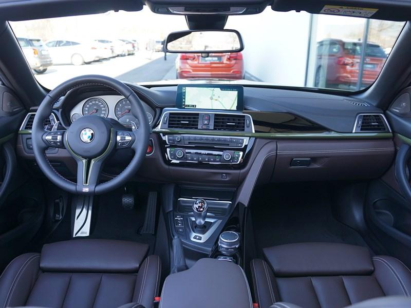 BMW M4 Cabrio F83 Individual Urban Green 15