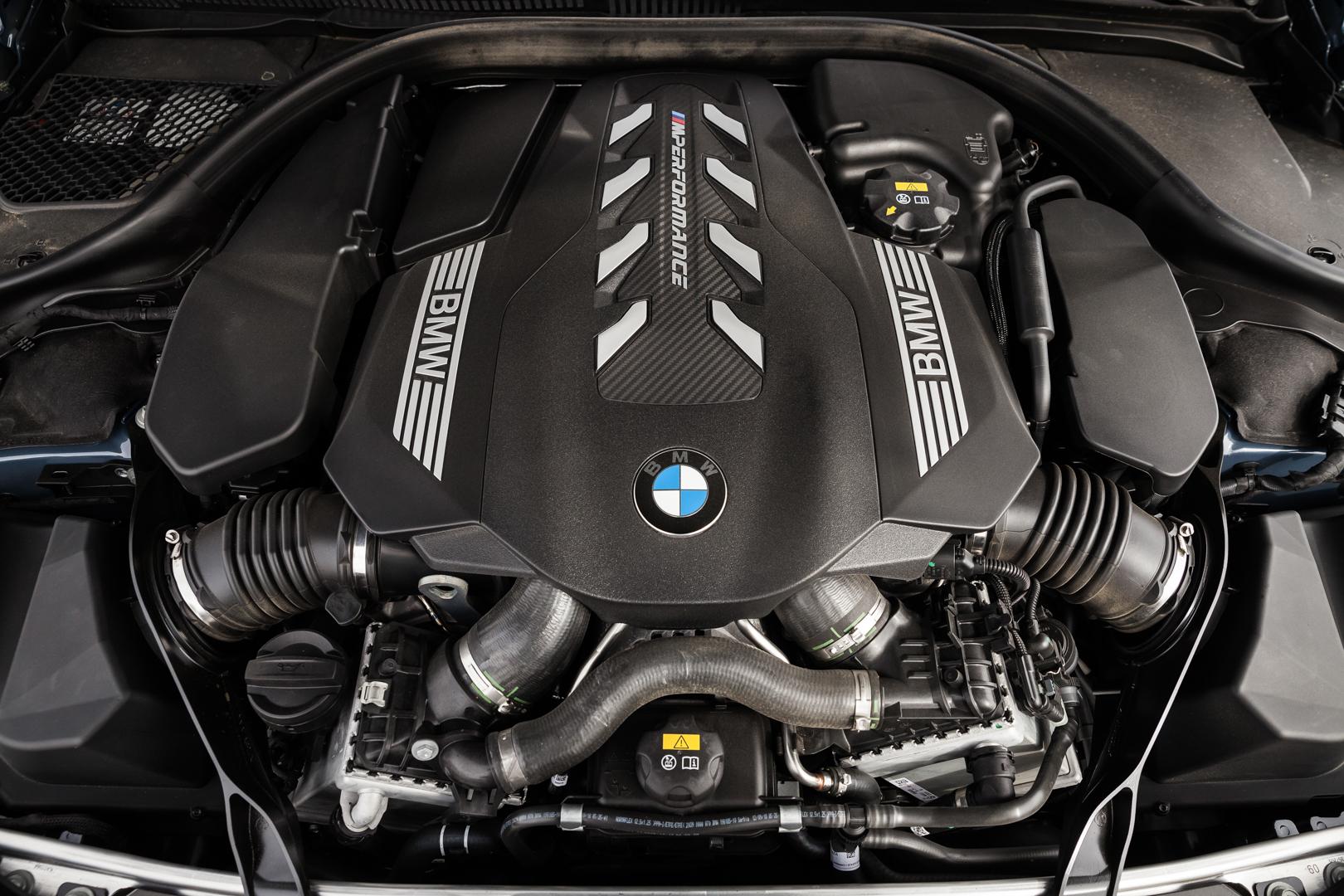 BMW M850i xDrive Thermal Club 58 of 49