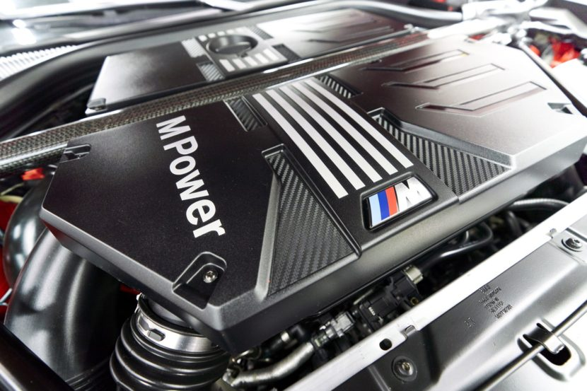 BMW S58 engine 30 830x553