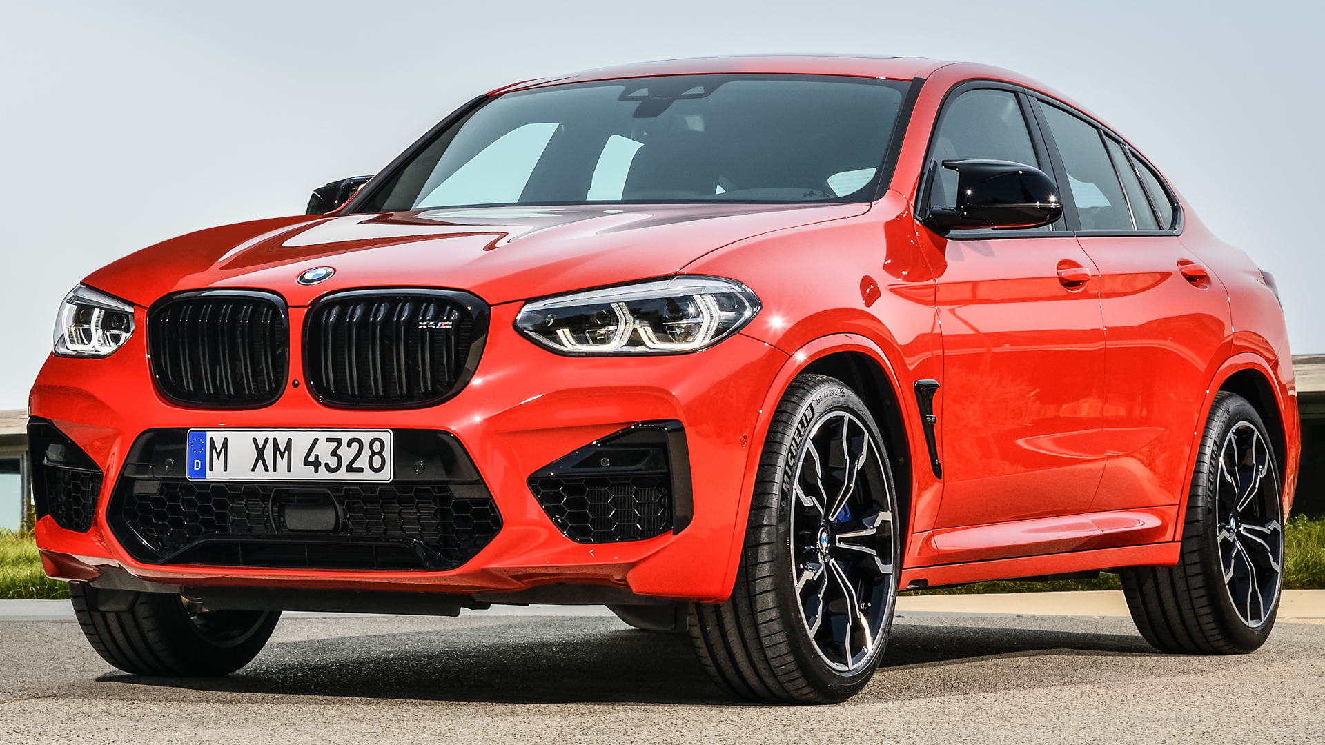 BMW X4 M Competition vs Mercedes AMG GLC63 S 6 of 11