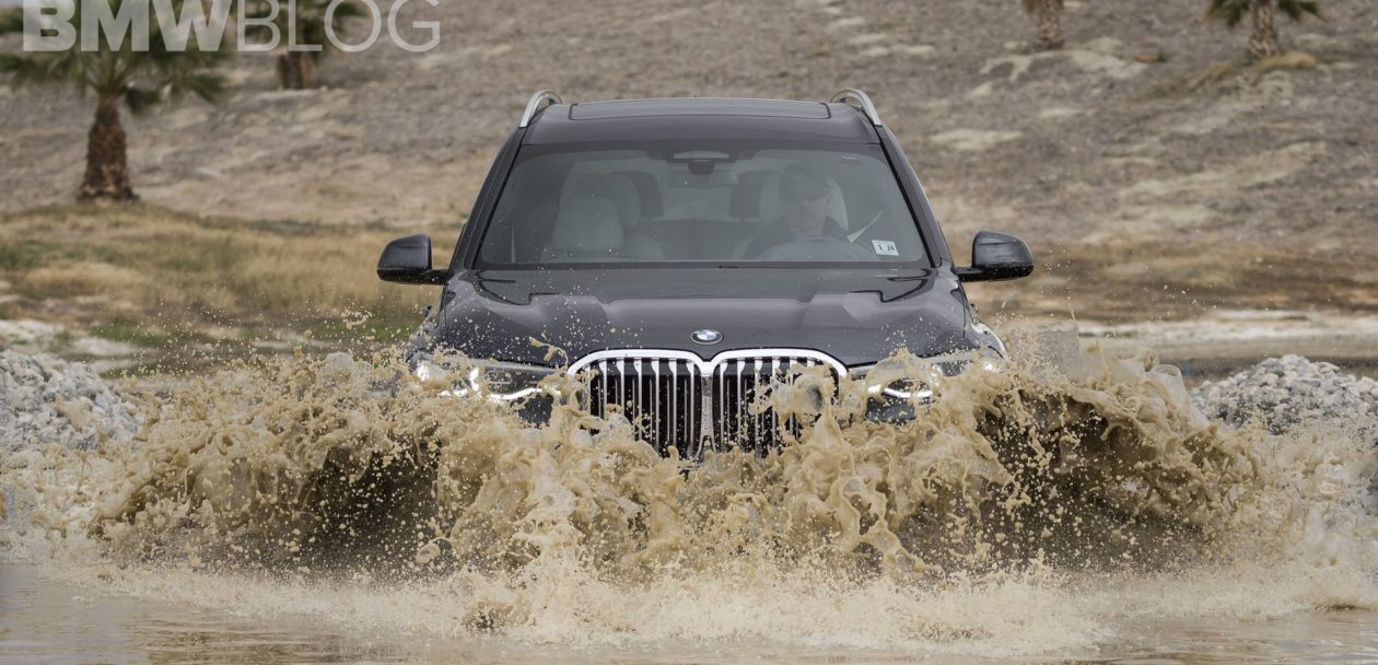 BMW X7 off road 17 1260x608