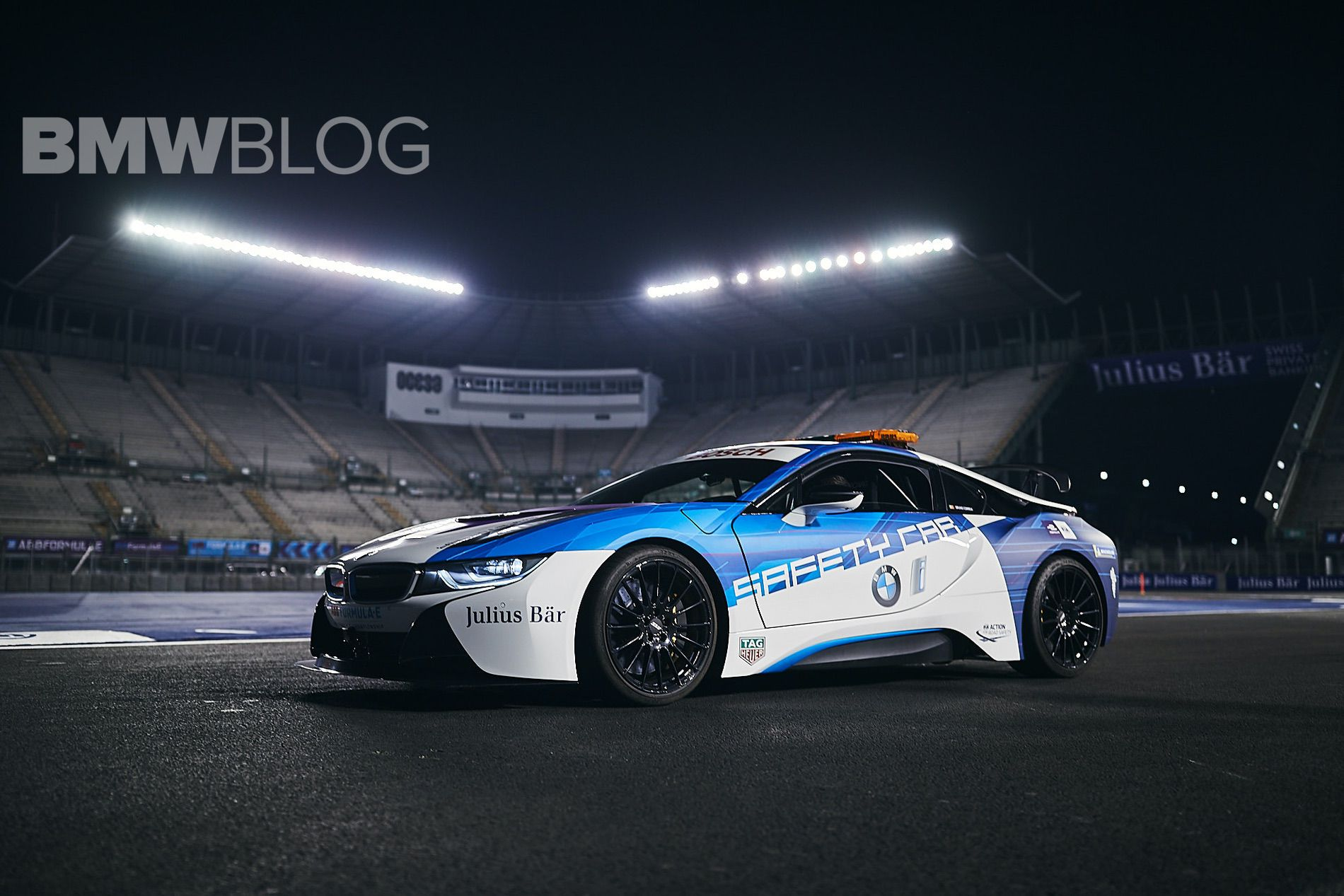 BMW i8 Safety Car new 03