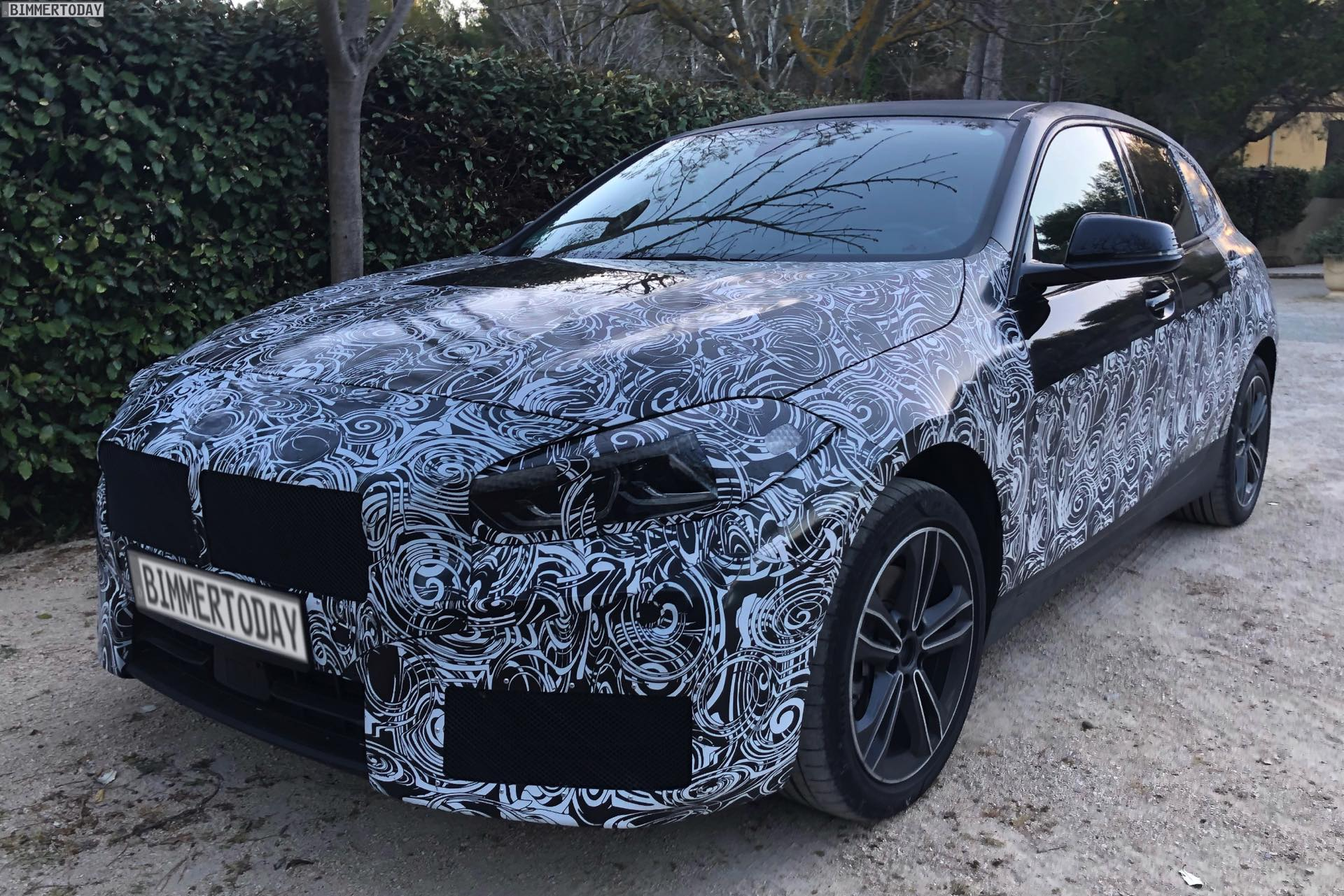spy photos 2019 bmw 1 series f40 hatch with front wheel drive. Black Bedroom Furniture Sets. Home Design Ideas