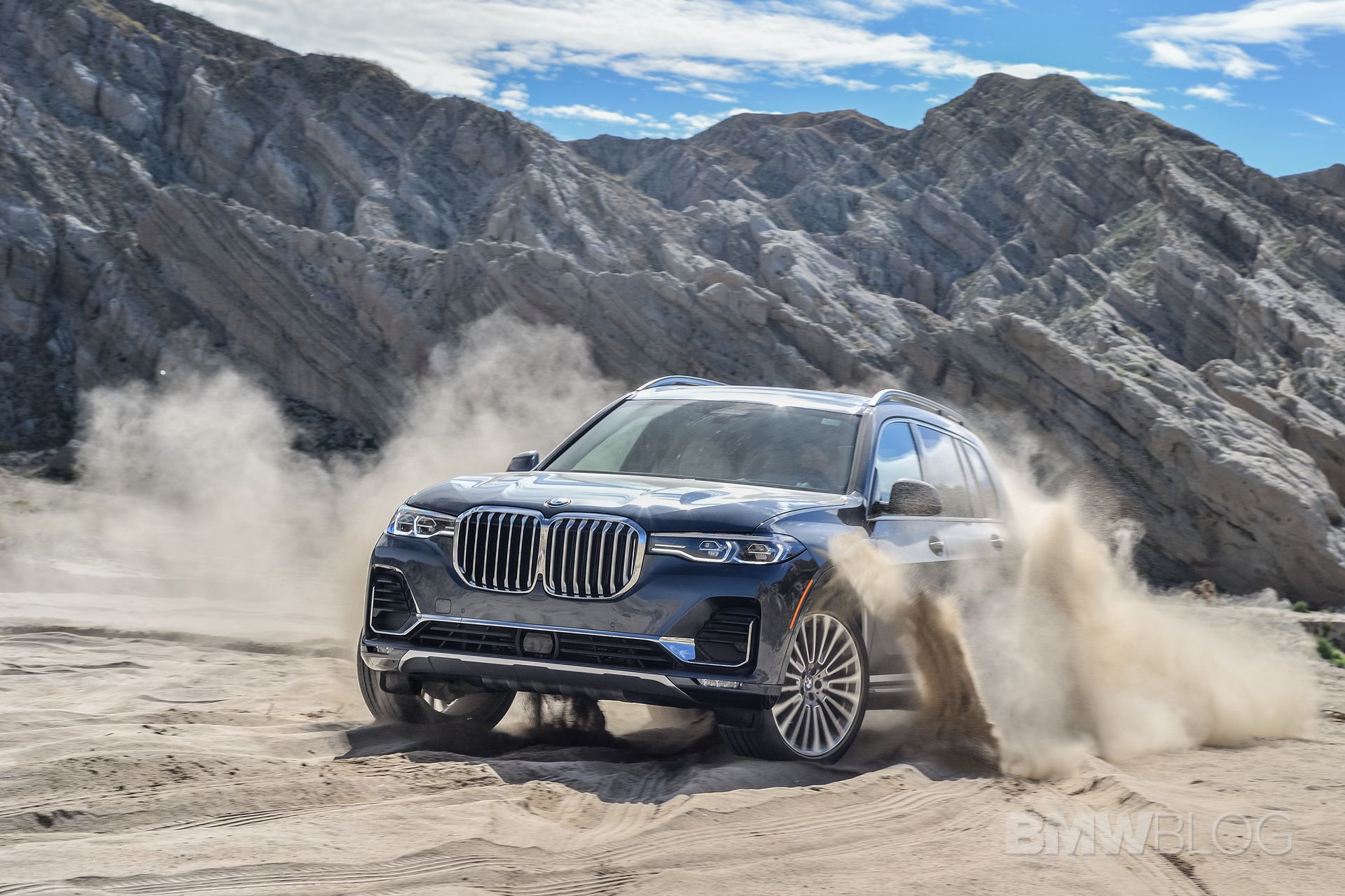 2019 BMW X7 off road 09