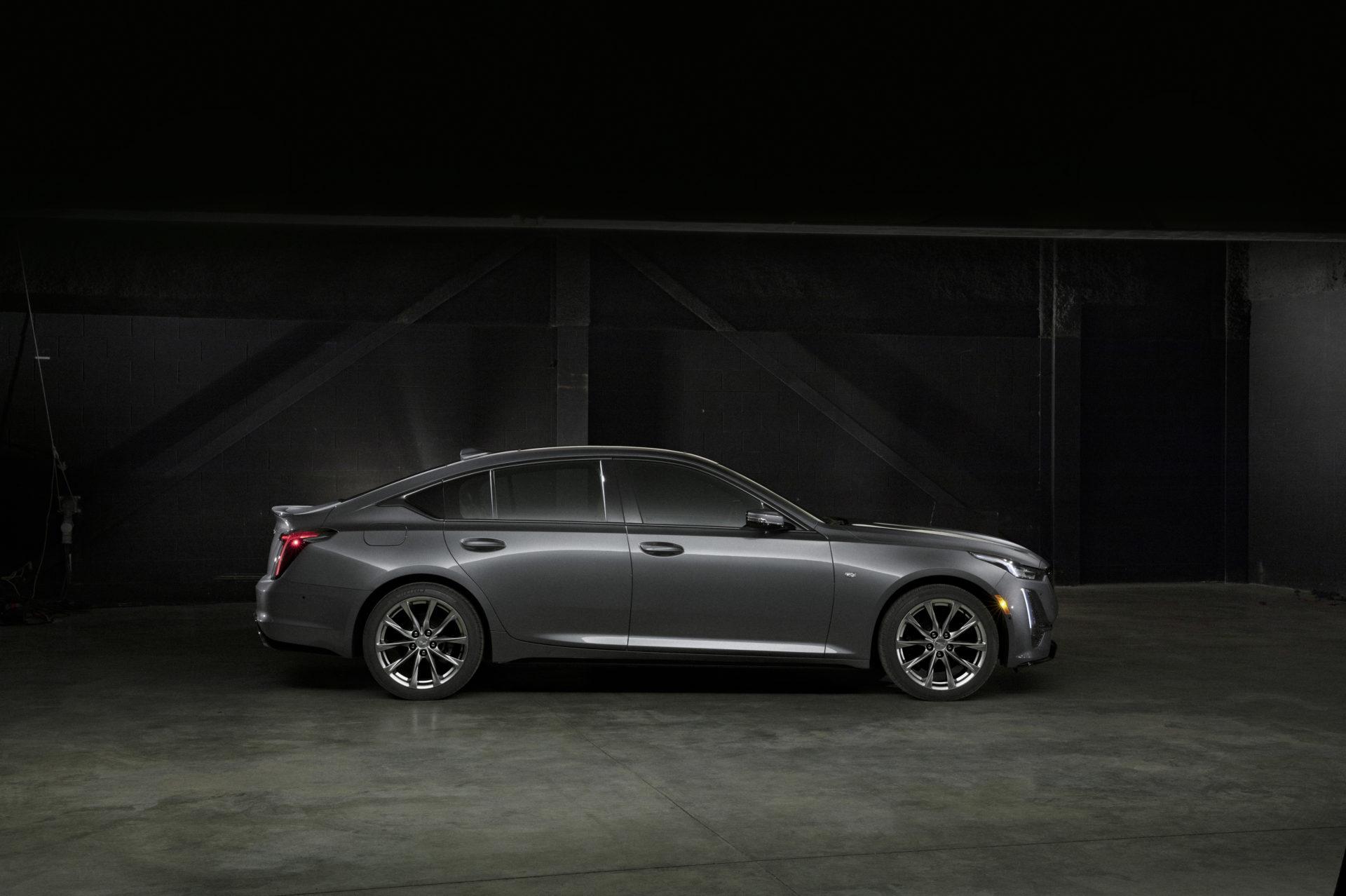 2020 Cadillac CT5 Sport 002 e1552911952967