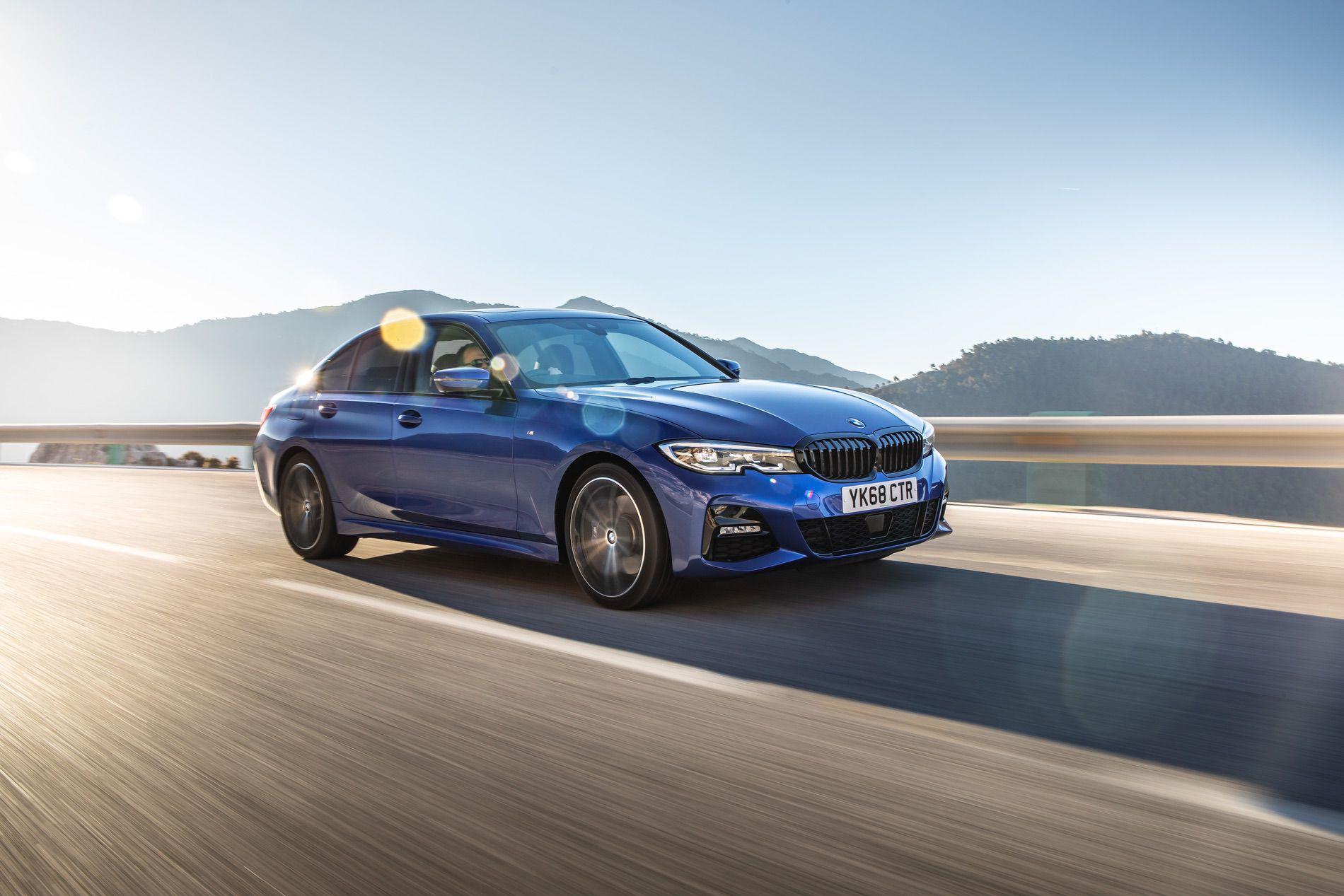 BMW 320d M Sport package Portimao Blue 01