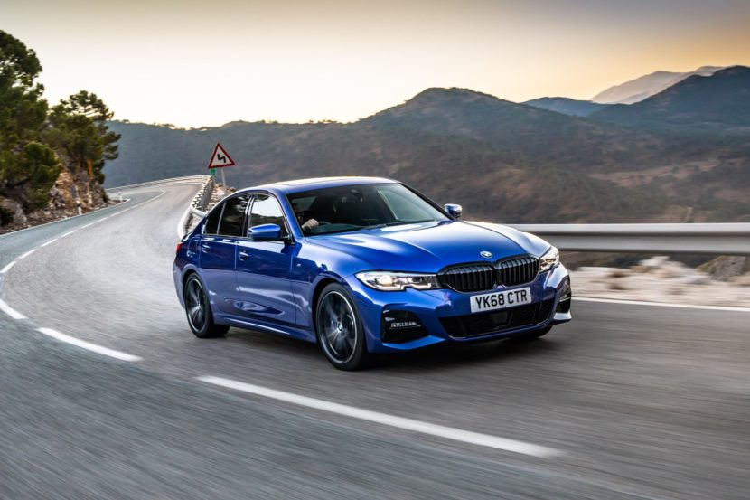BMW 320d M Sport package Portimao Blue 20 830x553