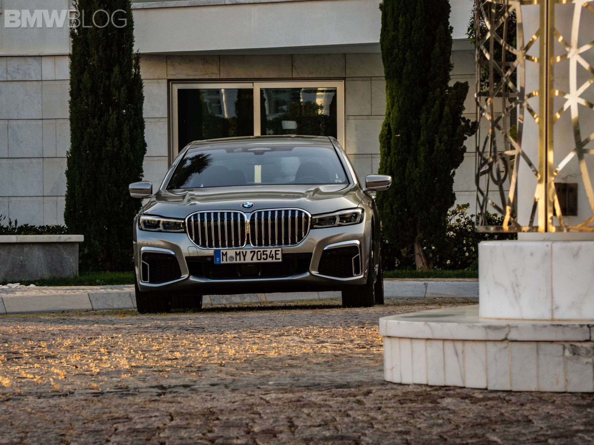 A closer look at the 2019 BMW 745Le Hybrid