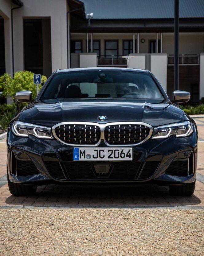 BMW M340i black 03 664x830
