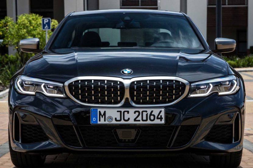 BMW M340i black 03 830x553
