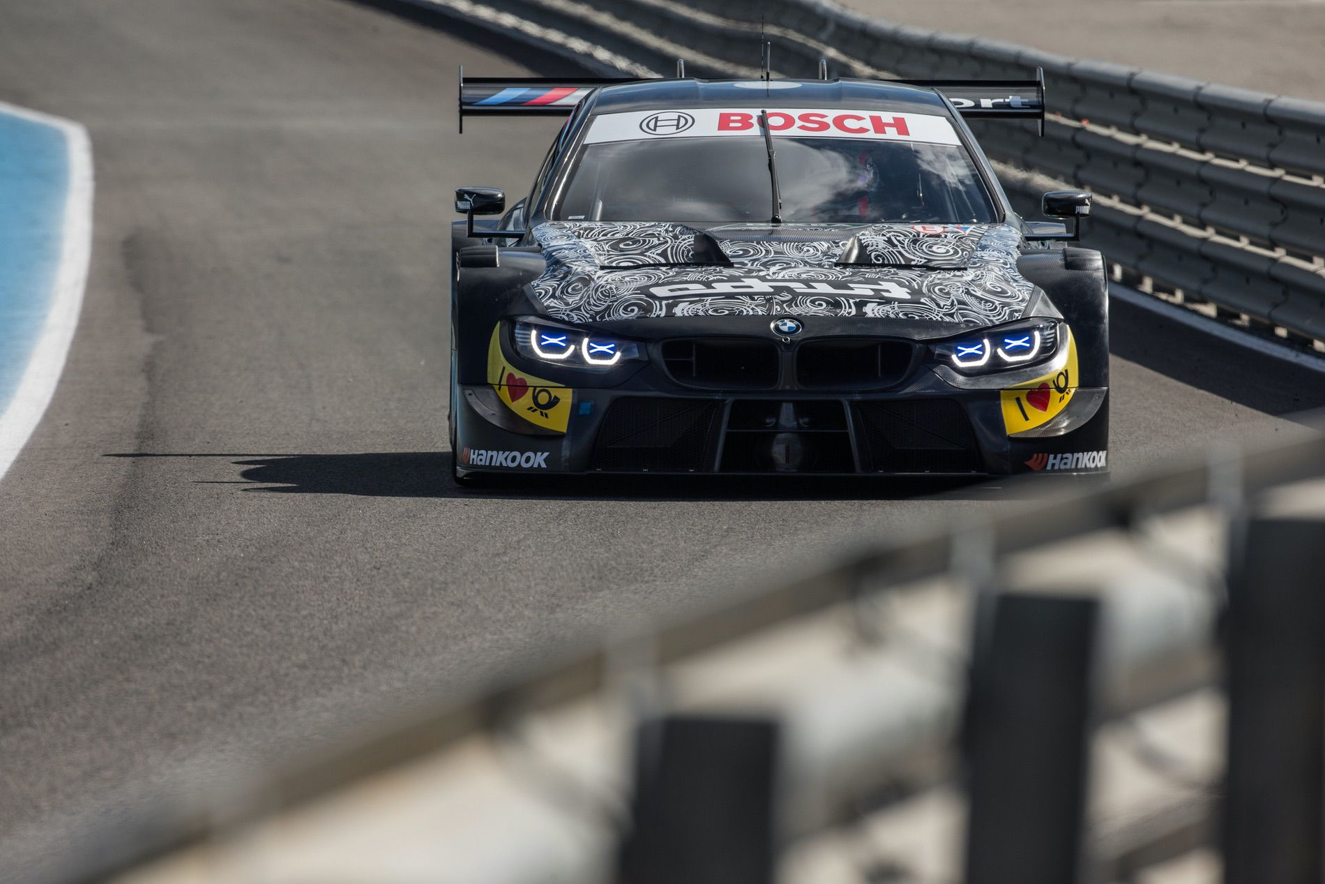 BMW M4 DTM Turbo 01