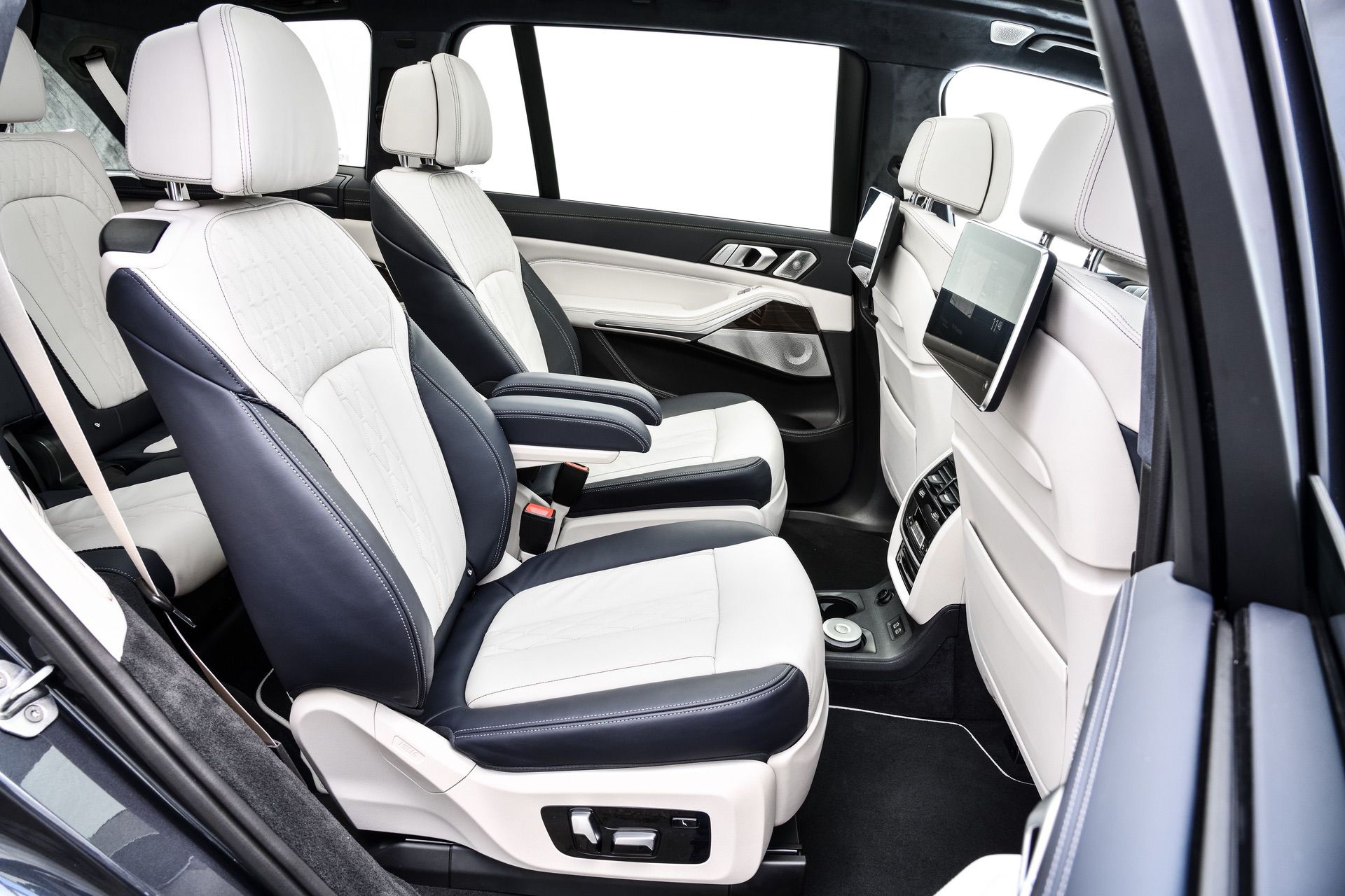 Fine Five Reasons Why The Bmw X7 Is The Ultimate Luxury Bimmer Gamerscity Chair Design For Home Gamerscityorg