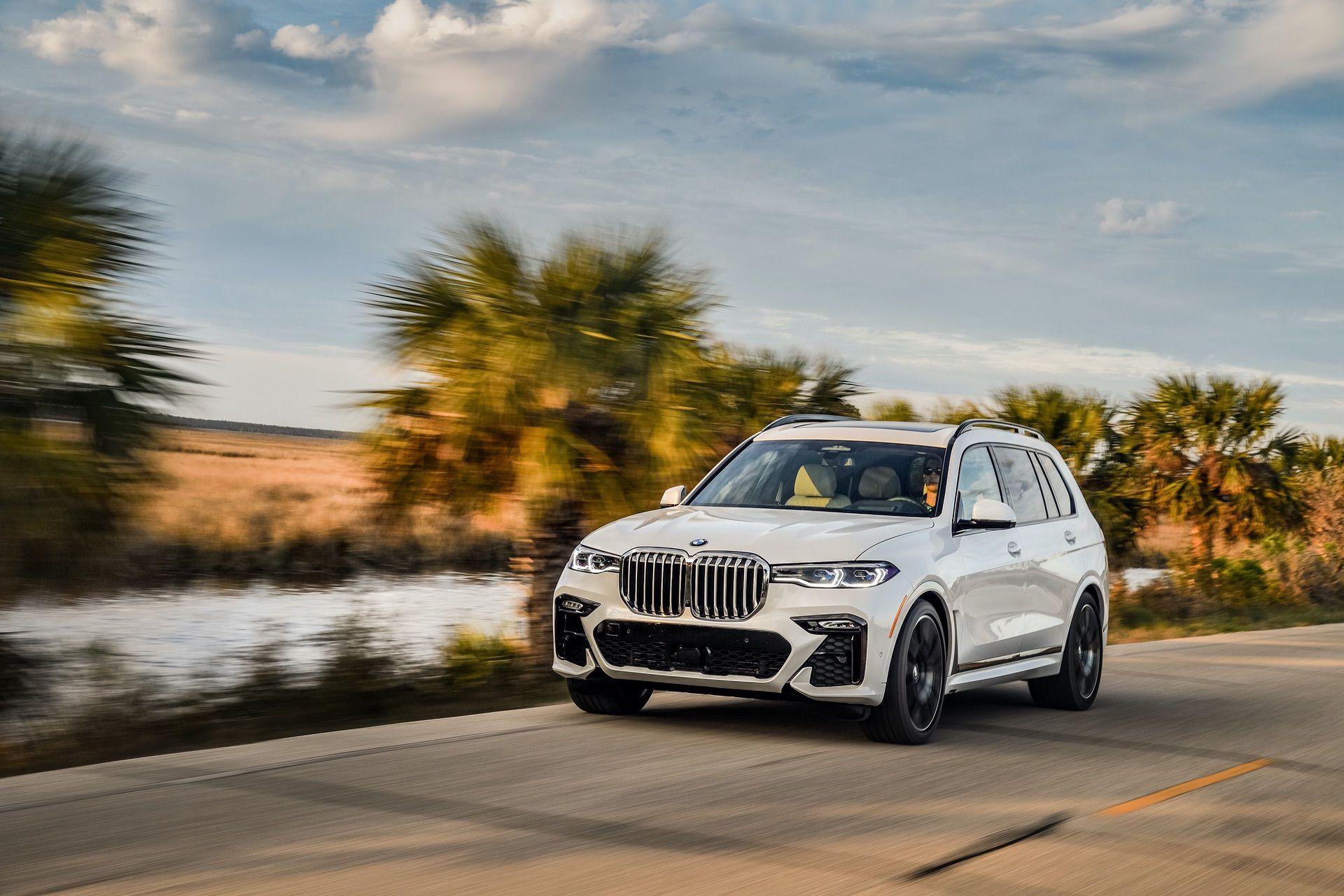 BMW X7 xDrive50i Mineral White 44
