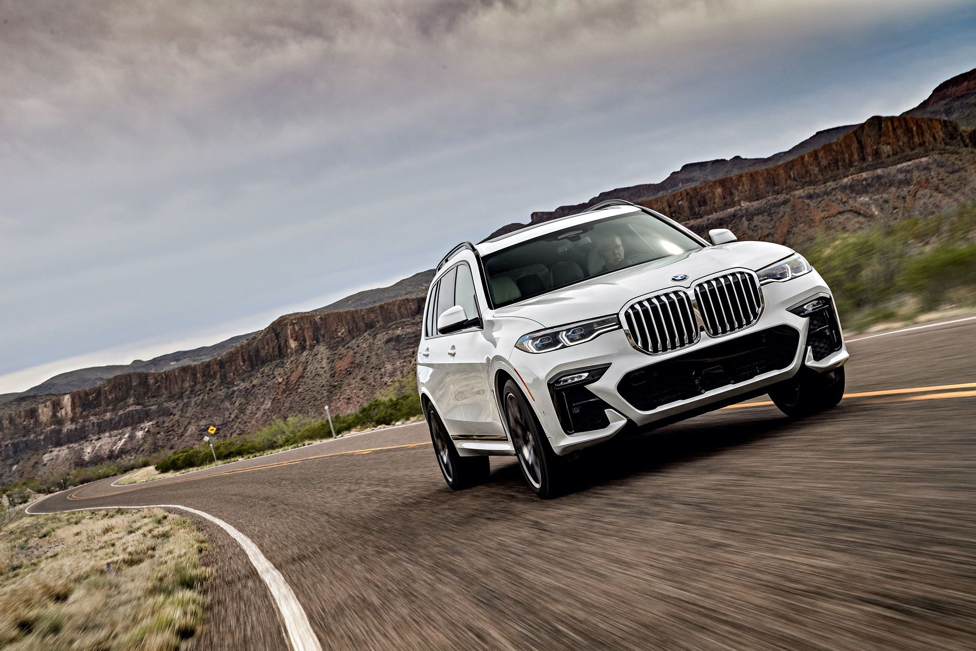 Carwow drives the BMW X7