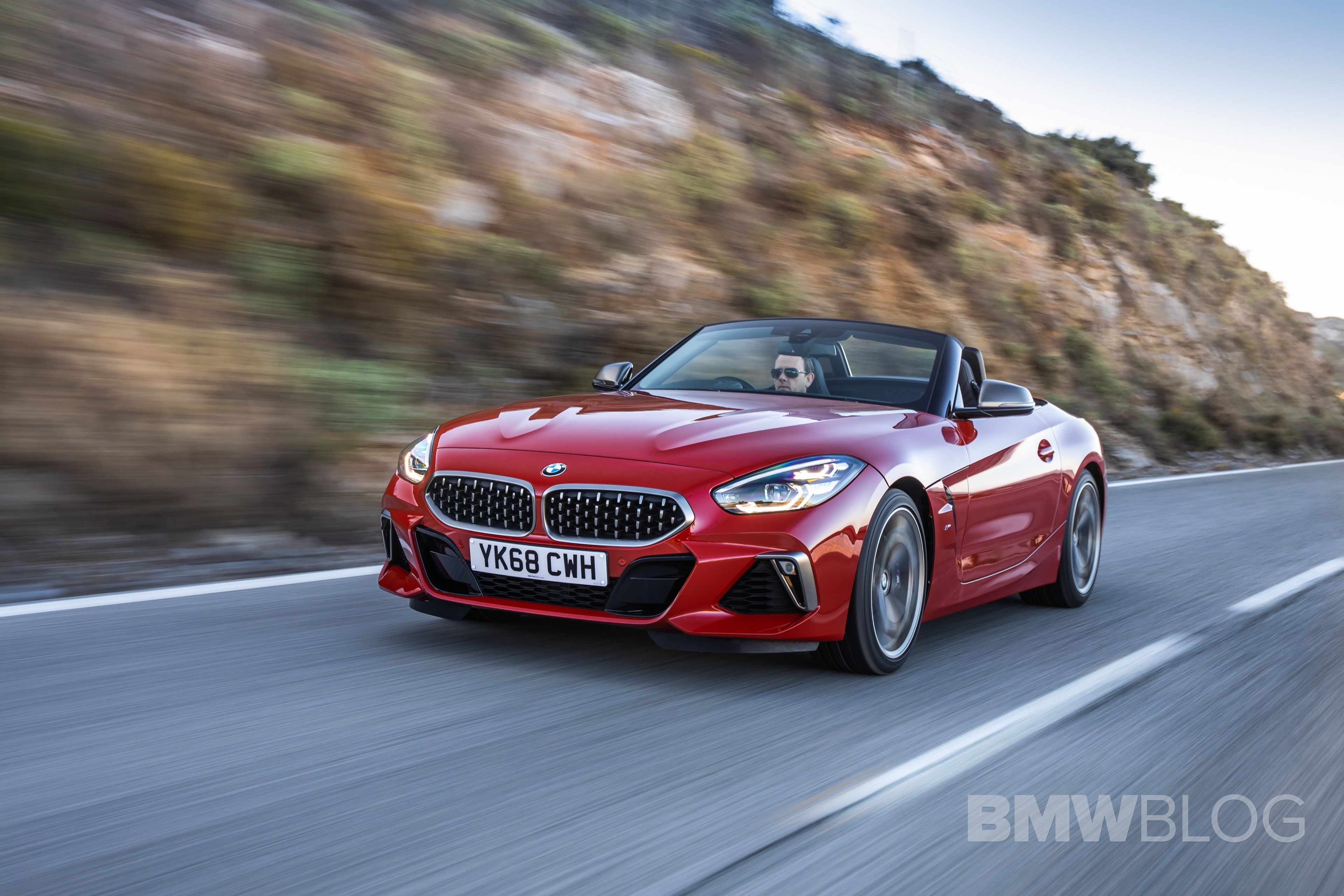 BMW Z4 M40i San Francisco Red 22