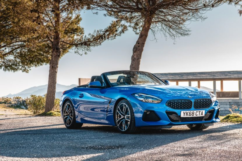 BMW Z4 sDrive20i M Sport Package in Misano Blue Metallic 41 830x553