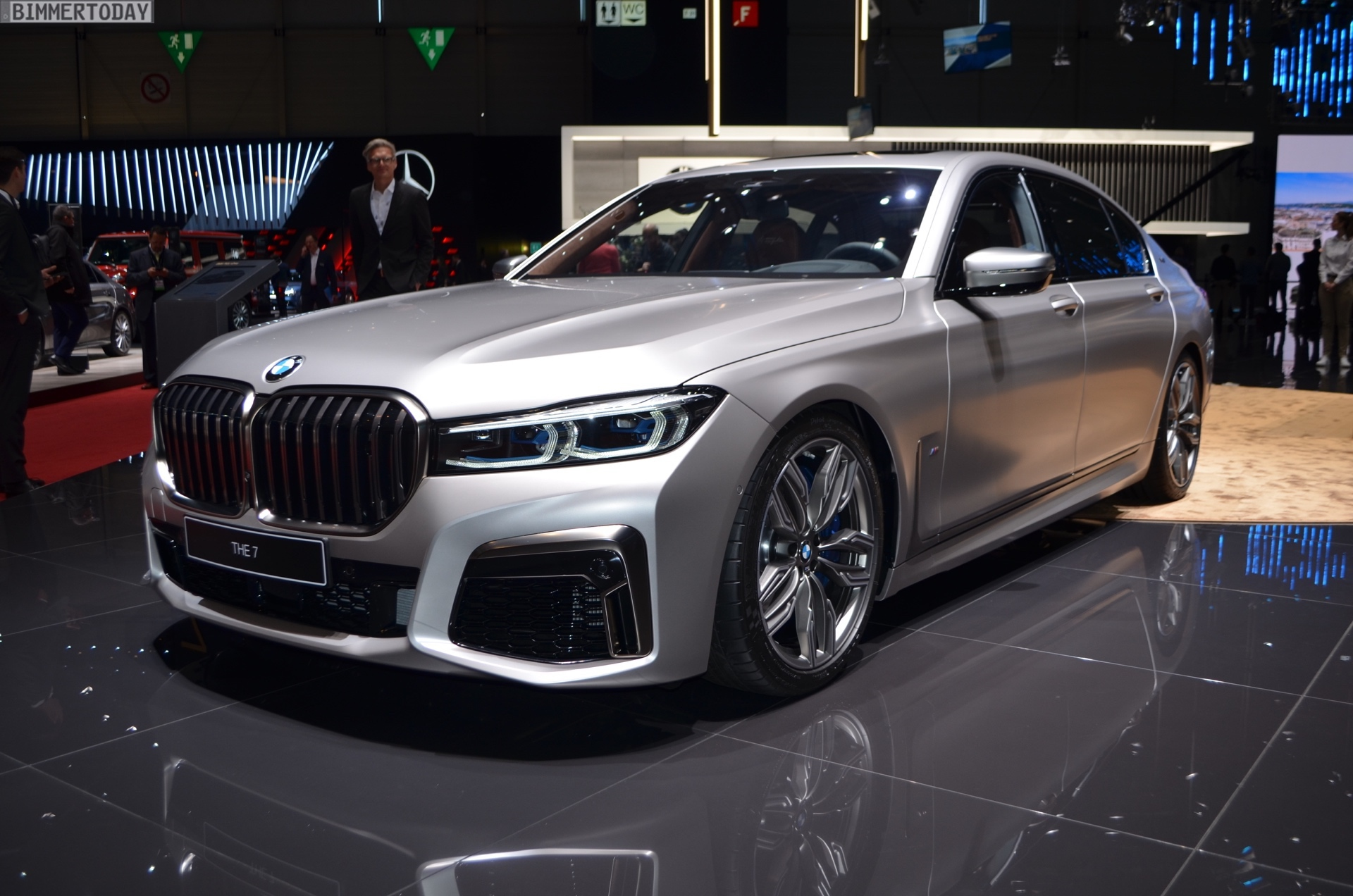 Genf 2019 BMW M760Li G12 Facelift LCI Individual Frozen Cashmere Live 17